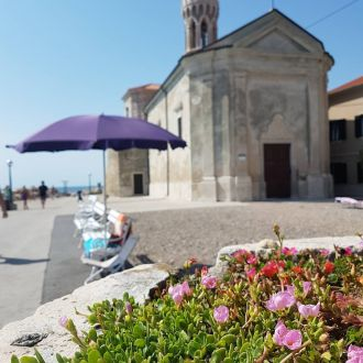 Beach and history at the same time 😎😉. Everytime we find something new while exploring Slovenian coast. #piran #pirano #piranportoroz #historicalplaces #slovenianistria #coastofslovenia #mediterranean #feelslovenia #spotrevealed #slovenia #love #stonelovers