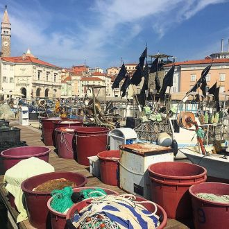 #igslovenia #piran #spotrevealed #obala #boats #pirates #blackflag #снасти #fishing #slovenia #slovenija